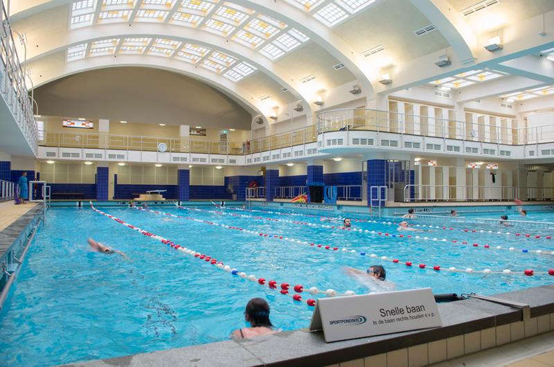 Oostelijk zwembad vrij zwemmen